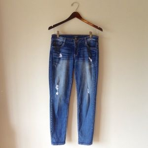 Forever 21 distressed skinny jeans   size 26